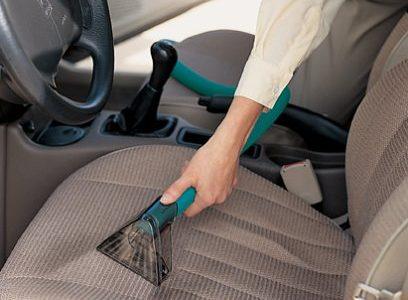 jak uprać tapicerkę samochodową